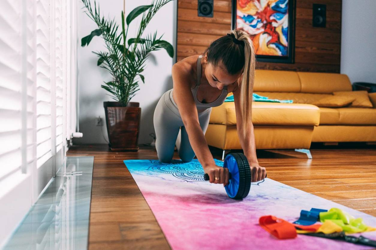 kółko roller do ćwiczeń mięśni brzucha